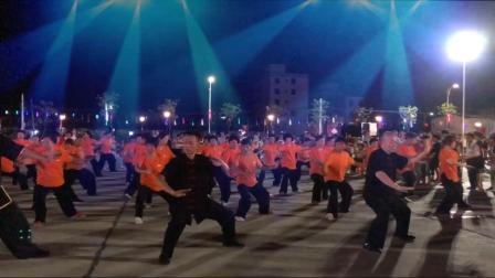 潮汕东武太极队演练陈式太极拳老架一路74式-2020-7-19-桥柱西楼广场