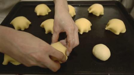 蓝小熊面包制作和面粉面包发酵面包短片