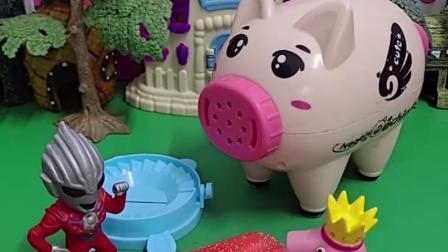 天气太热了,小奥特曼给小朋友们做了冰激凌,小猪佩奇可开心啦