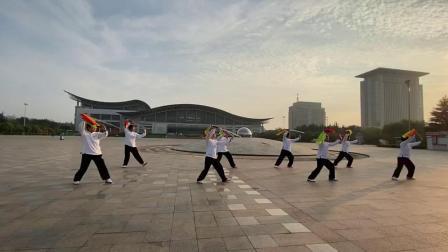 苏河杨氏太极拳培训学校集体演练杨式太极十三刀