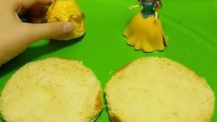 白雪公主和贝儿公主做蛋糕, 王子邀请白雪参加舞会