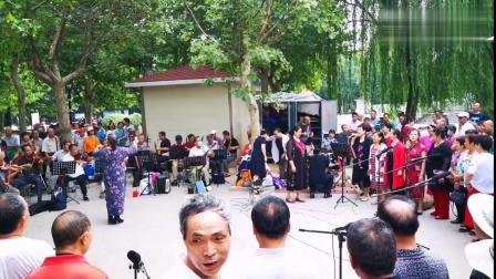 又到周末,石家庄水上公园歌声嘹亮,退休合唱团开唱了