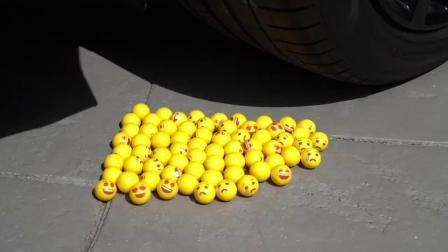 牛人驾驶小汽车碾压花椰菜与柠檬,请勿轻易模仿!