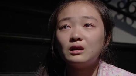红红晚上睡不着觉,坐在楼梯上思念着樱桃,太让人心酸了