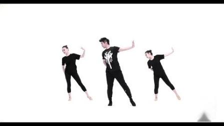 青年舞蹈家邓斌老师舞蹈《红星照我去战斗》正面