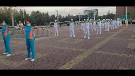 鹤岗市快乐舞步协会滨河健身操队