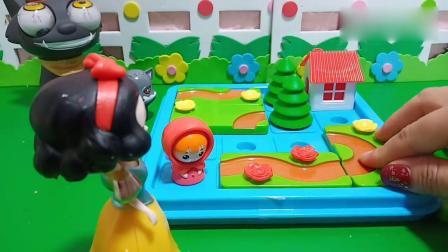 趣味玩具:小红帽遇到大灰狼快躲起来