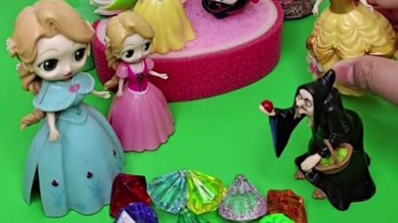 公主被车撞了躺在床上,小贝儿卖唱救妈妈,大家伙都来帮助公主了