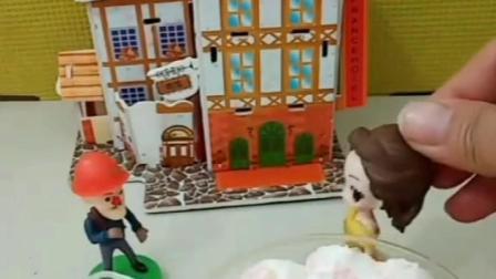 贝儿公主拿走光头强买给妈妈的生日蛋糕,又吃掉乔治给妈妈煮的面条,贝儿公主真的太坏