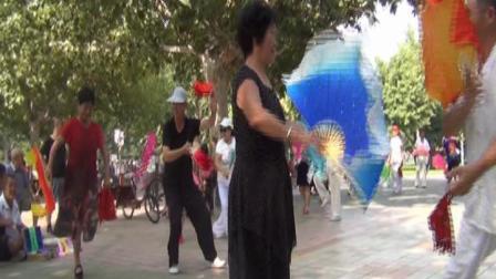 乐亭县青春广场大秧歌开始了202084