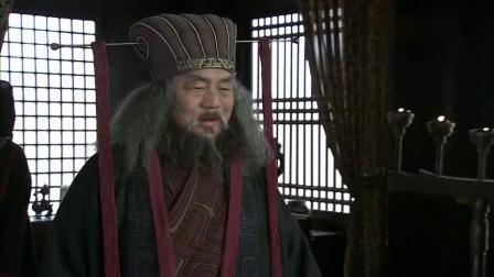 新三国:董卓请百官喝酒,众人喝一口全喝吐了,王允太惨了