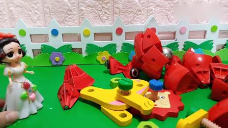 乔治佩奇玩具:白雪好不容易拼好的磁力球又被贝儿弄坏了