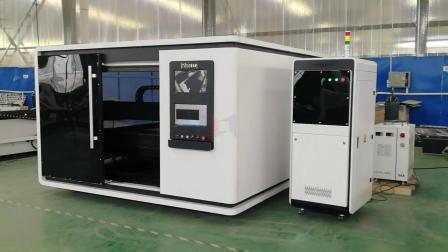 领秀激光LXFC1530大包围1000W光纤激光切割机切割3mm碳钢金属板