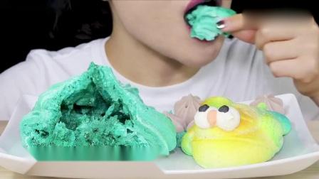 吃播大胃王:小姐姐吃像花朵一样的酥皮饼干,大家见过吗