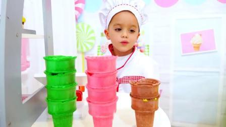 萌娃小可爱的冰激凌店开业啦,小家伙可真是能干呢!一萌娃:宝宝做的冰激凌很好吃的!