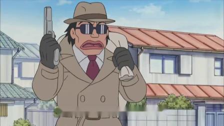 哆啦A梦:遇到银行抢匪,静香的双腿都在颤抖,瞬间害怕了!