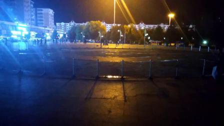海林休闲广场音乐喷泉晚间自拍