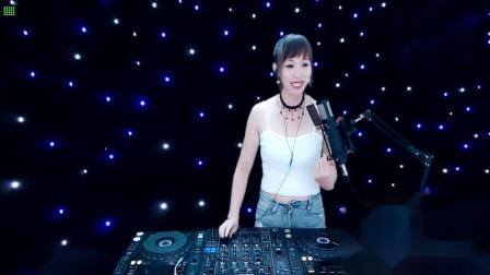 靓妹全新热爱音乐DJ2020现场美女打碟串烧Dj-美美(213)