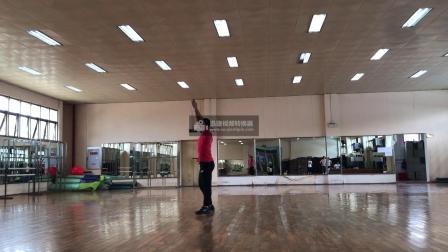 广西大学健美操课程翻转课堂动作组合3(蹲跳)-正面示范-口令