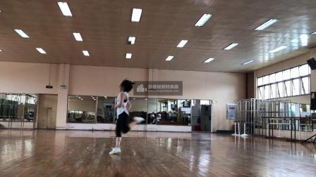 广西大学健美操课程翻转课堂动作组合4(小马跳)-背面示范-音乐