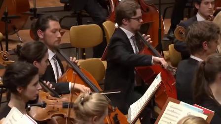 巴赫--A小调小提琴协奏曲(小提琴 茱莉亚.费舍尔;波罗的海青年交响乐团演奏)