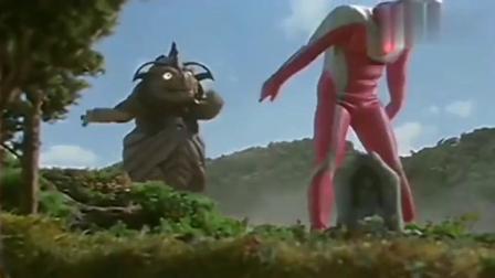 奥特曼:调皮的怪兽想戴拿奥特曼陪他玩,戴拿只想睡觉啊