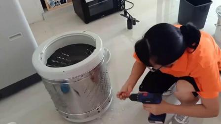 带女学员来客户家里清洗波轮洗衣机,看到她手慌脚乱的样子,我差点崩溃了