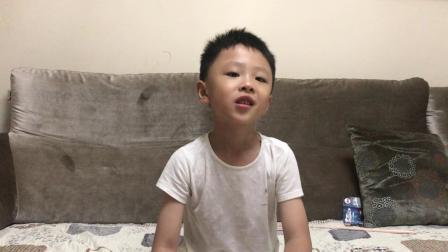 小王视频——第47期起床拆奥特曼卡包二