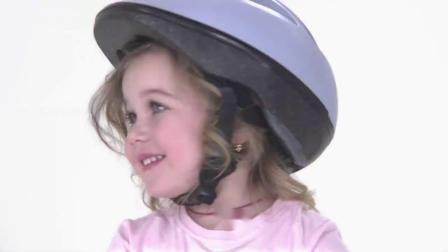 瑞奇宝宝:文文不会骑自行车,甜甜热心教学,真是太棒了