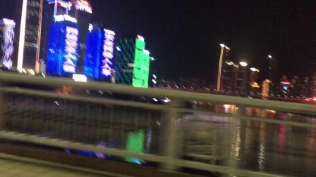 重庆江北区巴蜀中学钟楼夜景(表盘灯光较暗)