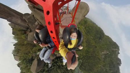 安徽旅游网红景点,安庆巨石山悬崖双人秋千