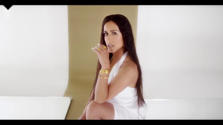 [杨晃]希腊流行女歌手Χριστίνα Σάλτη全新单曲Μπορεί