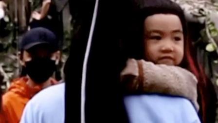 王一博陈情令蓝忘机,一博抱孩子的姿势真是太标准了,一看就会是个好爸爸