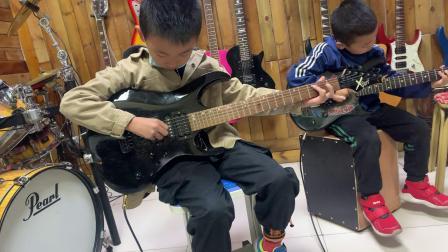 王铎 戴世睿《调皮的小企鹅》鲅鱼圈王涛吉他工作室