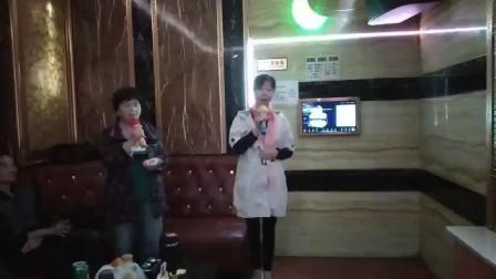 曹咏芝和罗衡娣女声小合唱《青藏高原》