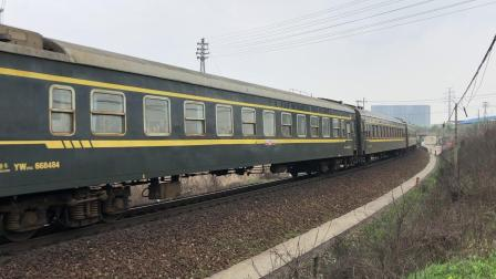 K162次 DF110124 通过宁芜线K72KM采石站道口