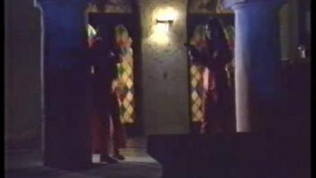 两个站岗守卫女反派喽啰依次残忍被杀 精品中的精品