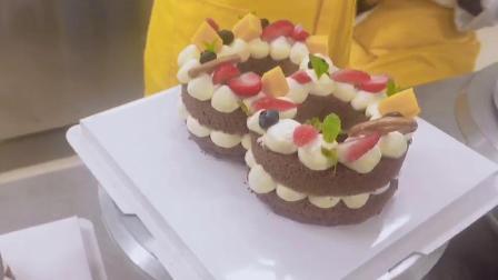 【数字蛋糕--学员作品】展翅烘焙培训学校  蛋糕裱花课程