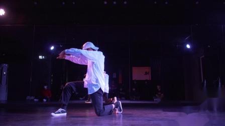 DANCER - UKAY wave solo performance