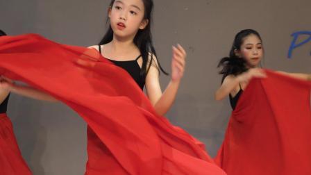 派澜 少儿中国舞《蕃社姑娘》指导老师:李琼