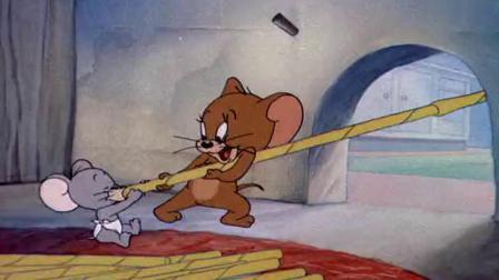 猫和老鼠:老鼠偷猫的牛奶喝,都不用出门,拿一根加长的吸管!