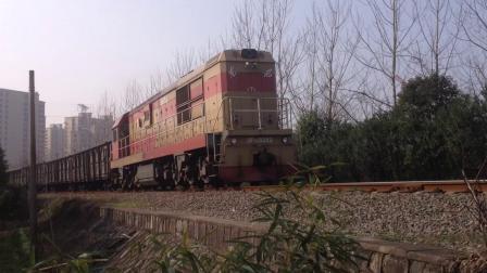[火车视频]DF7G-5252牵引敞车+JSQ6通过