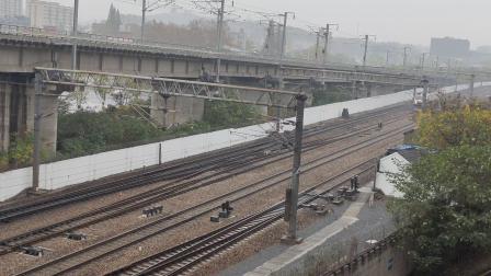 客车T7775 到达机回南京西站