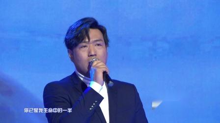 常天城现场演唱《哈尔滨》,被推选为哈尔滨新市歌,得到哈尔滨媒体和老百姓认可