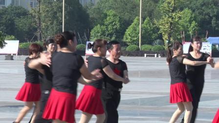 宜州区众乐交谊舞培训中心九周年庆展演14、牛仔舞《后悔没有珍惜你》
