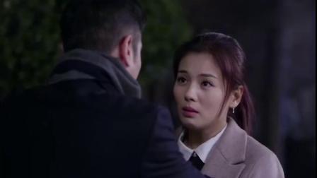 姑娘看到总裁来了惊喜万分,总裁一言不合就是霸道亲吻,真是精彩