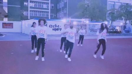 国内实力最强的汽修学校推荐,课间舞蹈,高端汽车学校上海博世汽修学校!