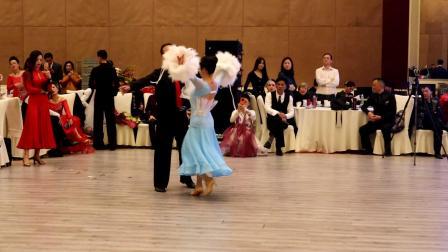 杜永军、刘幸丽参加2020年12月20日蚌埠舞会展演华尔兹