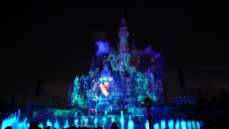 上海迪士尼夜光秀 - 带烟花