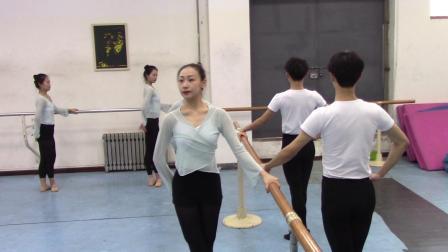青岛大学音乐学院舞蹈系2018级2020年12月31日专业课期末考试